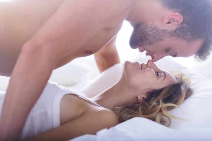 Thuốc xịt Stud 100 giúp nam giới cương cứng hơn, cải thiện tình trạng xuất tinh sớm.