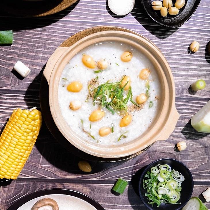 Cháo hạt sen rất bổ dưỡng, vừa chữa được tinh dịch đông đặc lại tốt cho sức khỏe