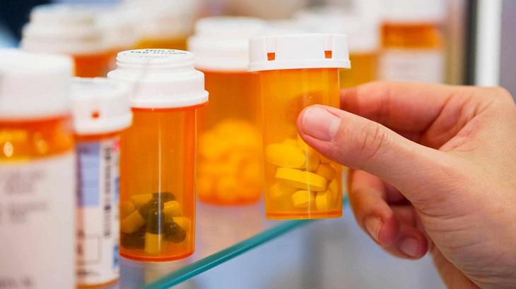 Dùng thuốc kháng sinh điều trị tinh trùng vón cục