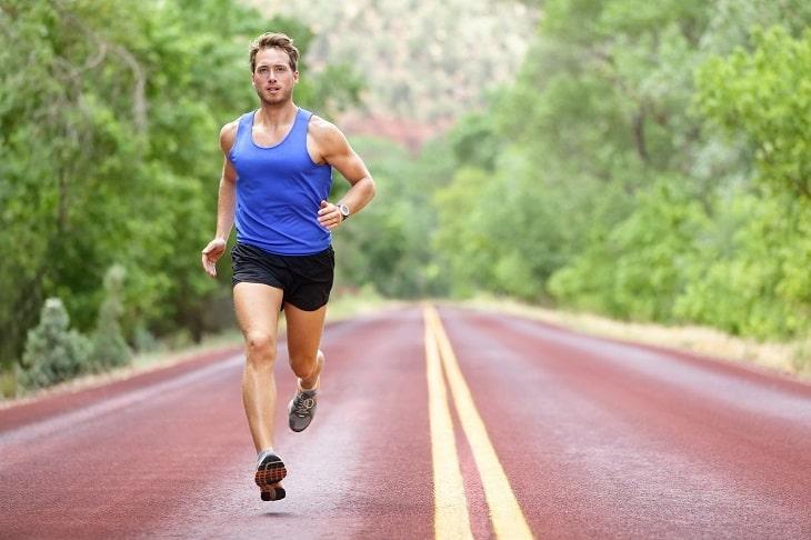 Nam giới cần tăng cường tập thể dục thể thao để nâng cao sức lực