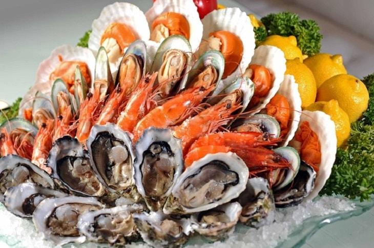 Trong hải sản chứa một lượng lớn amino acid - rất tốt cho người bị tinh trùng yếu