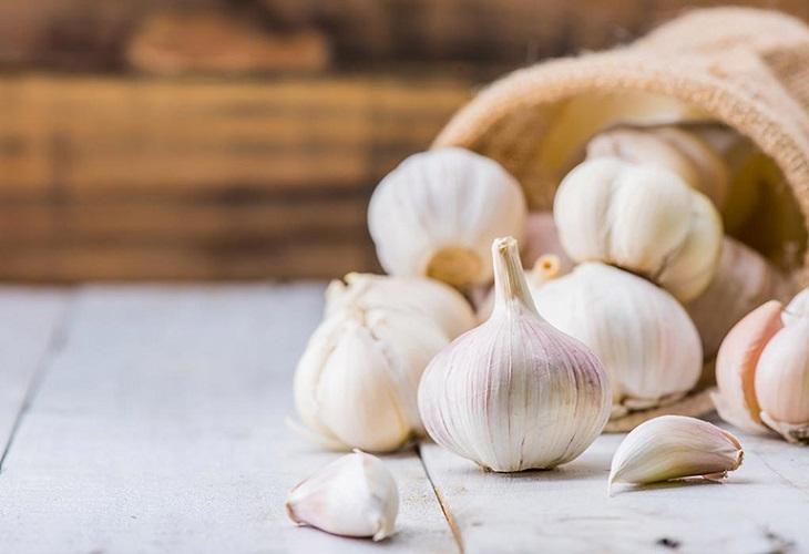 Các món ăn chế biến cùng tỏi chính là đáp án cho thắc mắc bị liệt dương nên ăn gì