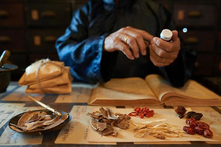 Thảo dược Đông y có công dụng tăng cường chức năng thận, và cải thiện sức khỏe