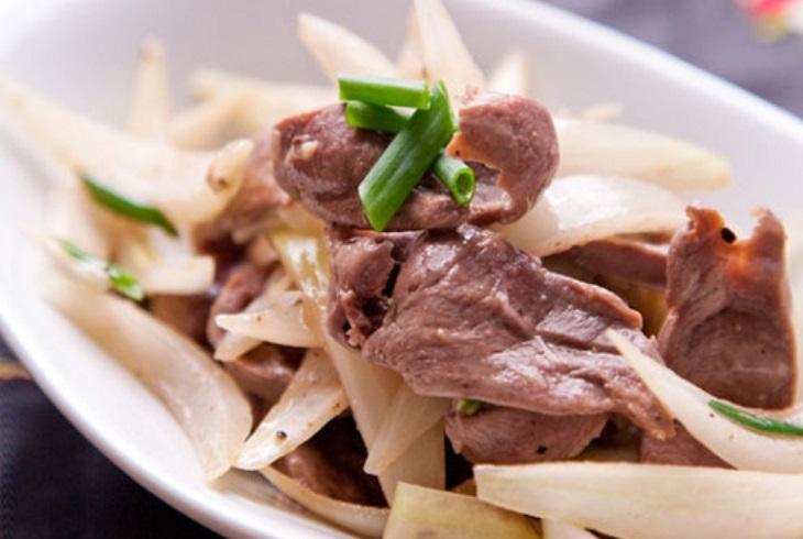 Cật lợn xào hành tây là món ăn bổ dưỡng rất tốt cho sinh lý nam