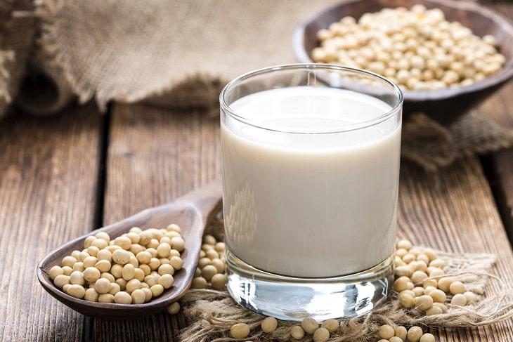 Cho đàn ông ăn gì để liệt dương? Đậu nành và sữa đậu nành