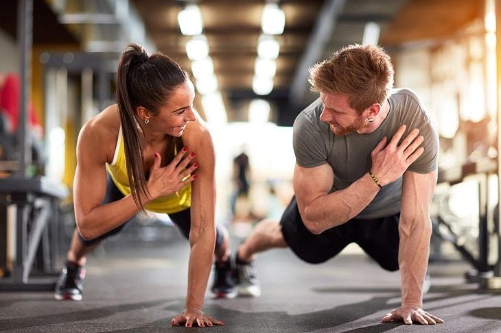 Có thể tập luyện thể thao với chồng mỗi ngày