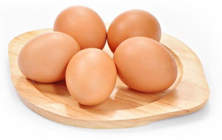 Trứng gà có công dụng hỗ trợ điều trị xuất tinh sớm, cải thiện cả về số lượng lẫn chất lượng tinh trùng ở nam giới hiệu quả