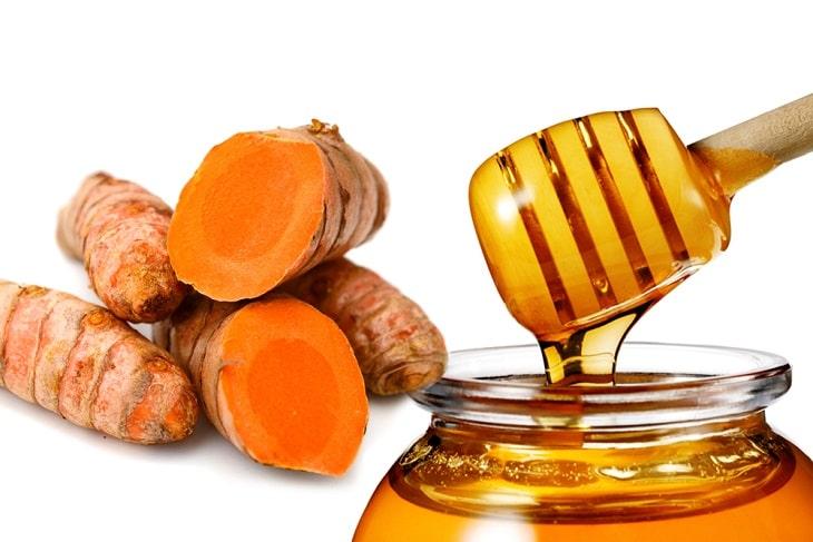 kết hợp trứng gà, nghệ tươi với mật ong là bài thuốc chữa xuất tinh sớm ở nam giới hiệu quả