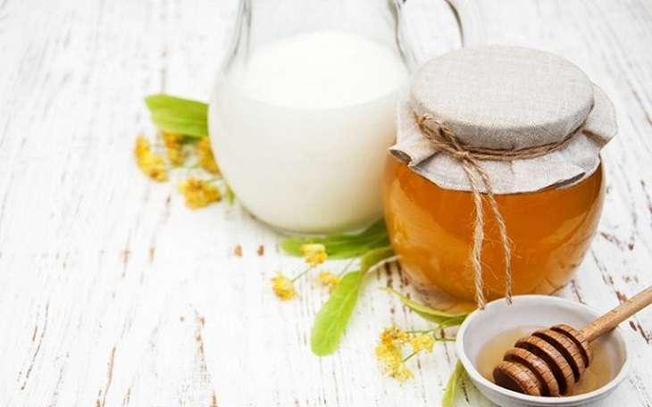 Sữa tươi kết hợp cùng mật ong sẽ làm tăng hiệu quả bồi bổ cho cơ thể