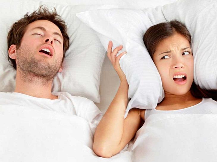 Nam giới ngủ ngáy bất thường khi bị suy giảm testosterone