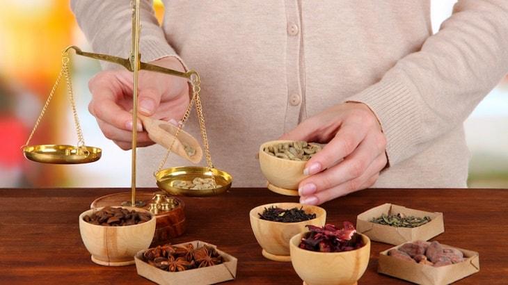 """Thuốc Đông y sử dụng nhiều vị thuốc giúp cân bằng sinh lý nam, tăng chất lượng """"tinh binh"""""""