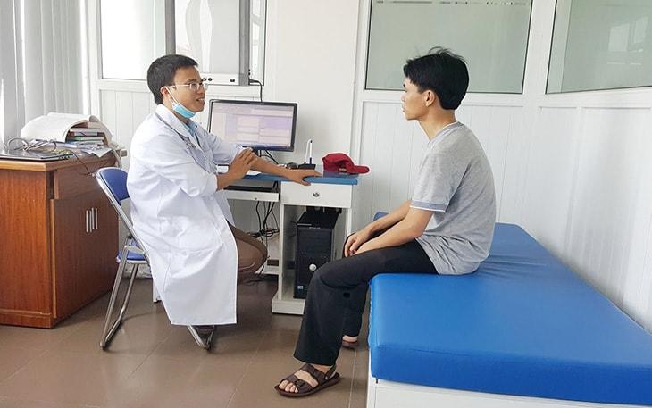 Thăm khám tại cơ sở chuyên khoa để tìm ra nguyên nhân gây bệnh