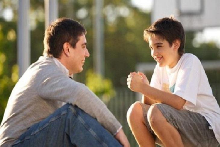 Cha mẹ cần làm bạn với con để điều trị tình trạng rối loạn cương dương ở trẻ em