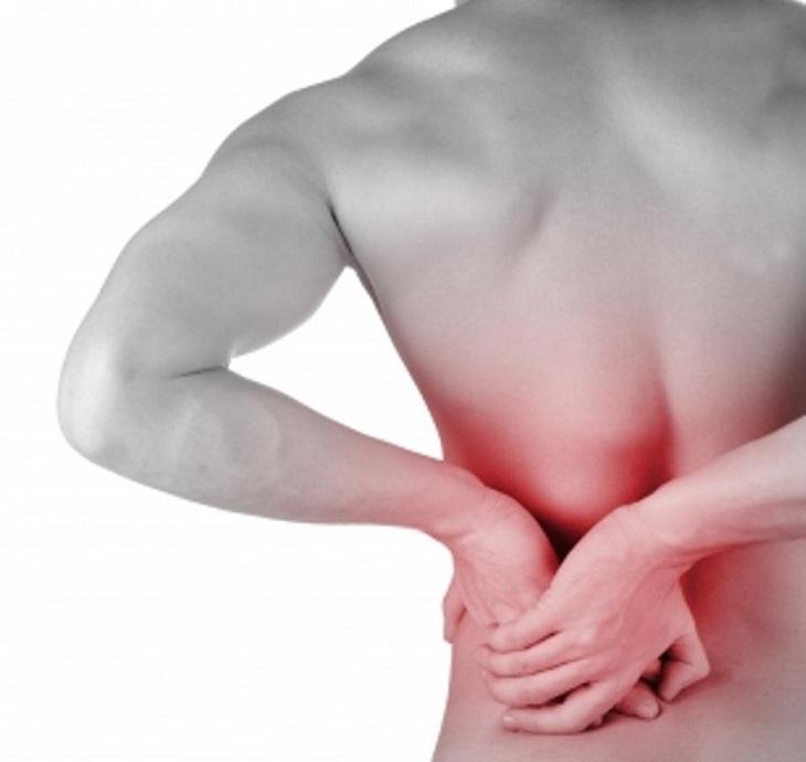 Người bệnh có thể xuất hiện cơn đau lưng thận hoặc vùng bụng dưới
