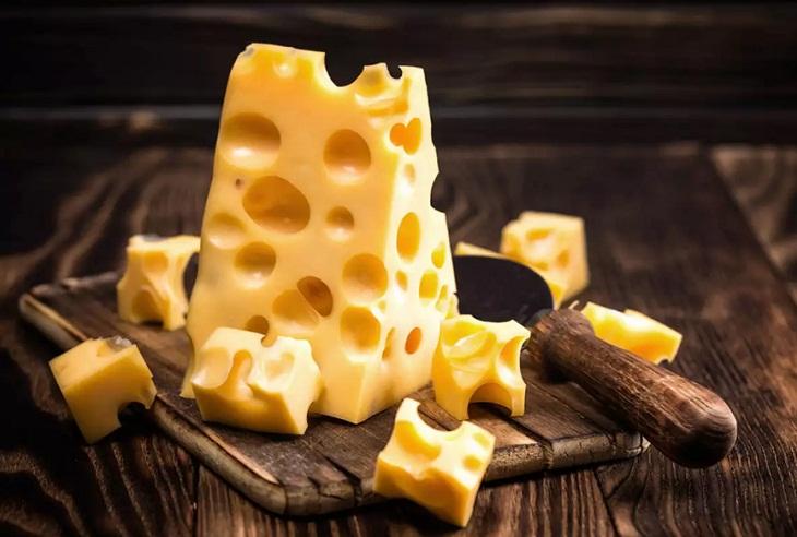 Bệnh sỏi mật kiêng ăn gì? Thức ăn nhiều cholesterol không tốt cho người bị sỏi mật