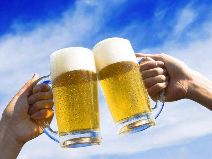 Người bị bệnh sỏi mật kiêng ăn gì? Rượu bia và đồ ăn cay nóng