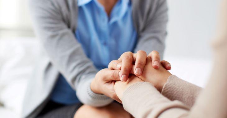 Hãy luôn duy trì lối sống lành mạnh, tinh thần lạc quan, thoải mái, và chia sẻ nhiều hơn với người thân