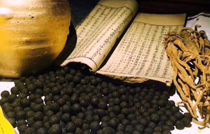 Một số cách chữa bệnh cổ xưa truyền lại trong sách