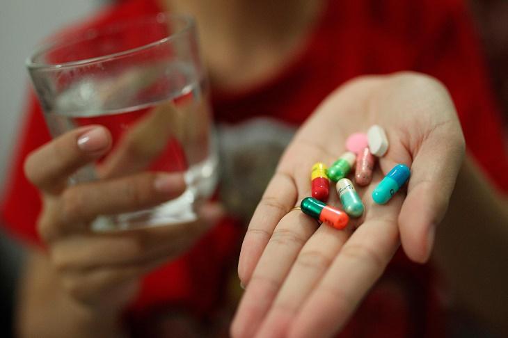 Uống thuốc Tây gây hại cho gan, mật, thận