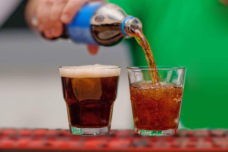 Bệnh xương khớp nên kiêng đồ uống có ga
