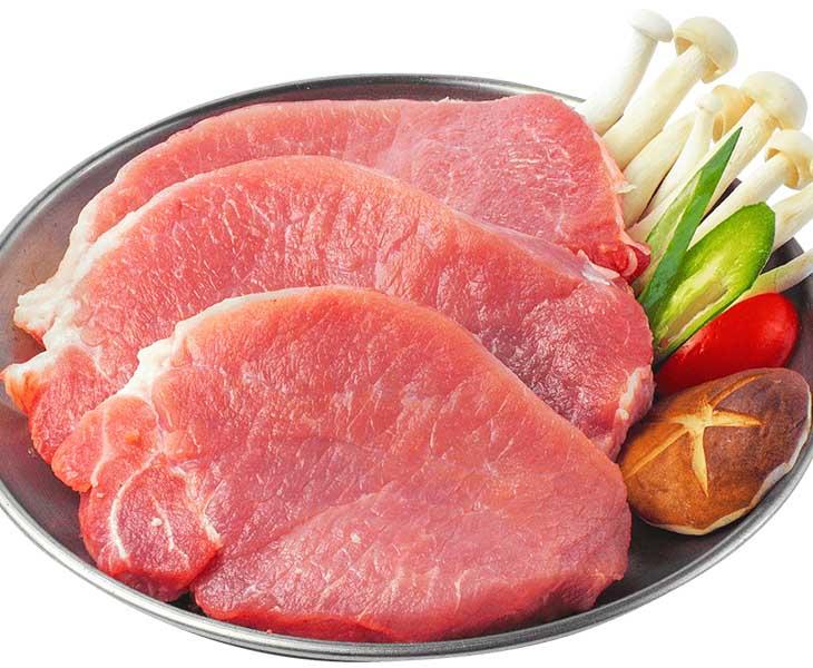 Người bệnh nên bổ sung các thực phẩm giàu chất đạm như thịt nạc trong thực đơn hàng ngày