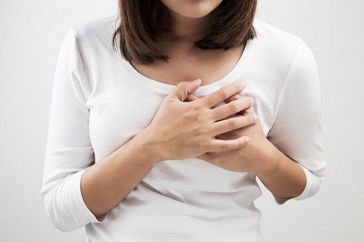 Căng và đau ngực ở tuổi dậy thì hoặc đến kỳ kinh nguyệt