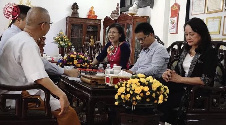 Ts.Bs Nguyễn Thị vân Anh cùng đội ngũ nghiên cứu tại Tp. Huế