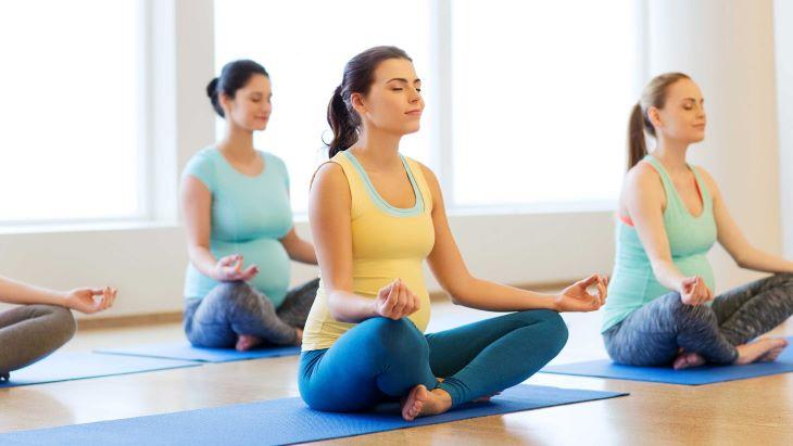 Tập các động tác yoga đơn giản để tăng độ dẻo dai và khả năng phục hồi xương khớp