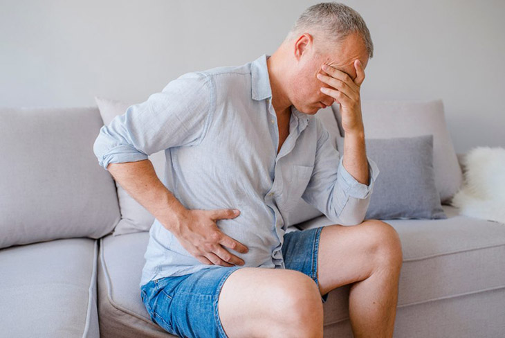 Nam giới, người ngoài 50 tuổi là nhóm đối tượng có nguy cơ cao bị sỏi bàng quang
