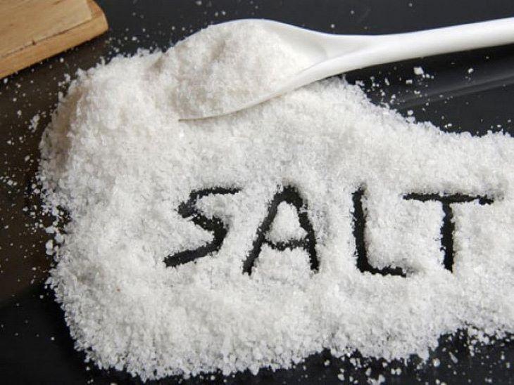 Hạn chế ăn muối nhiều trong quá trình trị bệnh