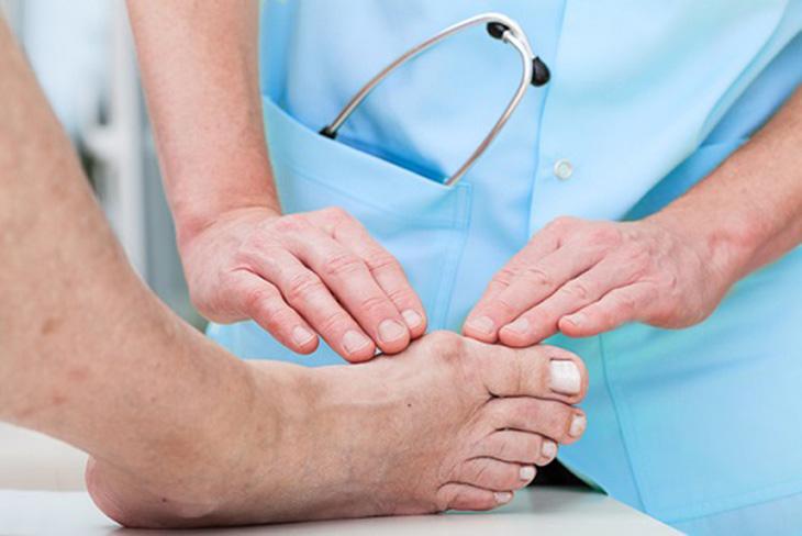Hãy đi khám để được bác sĩ chẩn đoán và điều trị