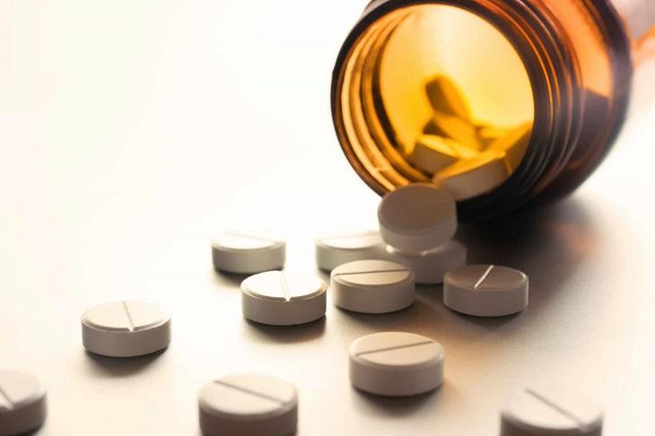 Người bệnh có thể được điều trị bằng thuốc