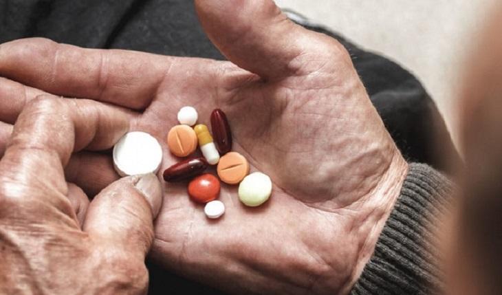 Sử dụng thuốc điều trị là phương pháp tốt nhất để kiểm soát tình trạng suy thận