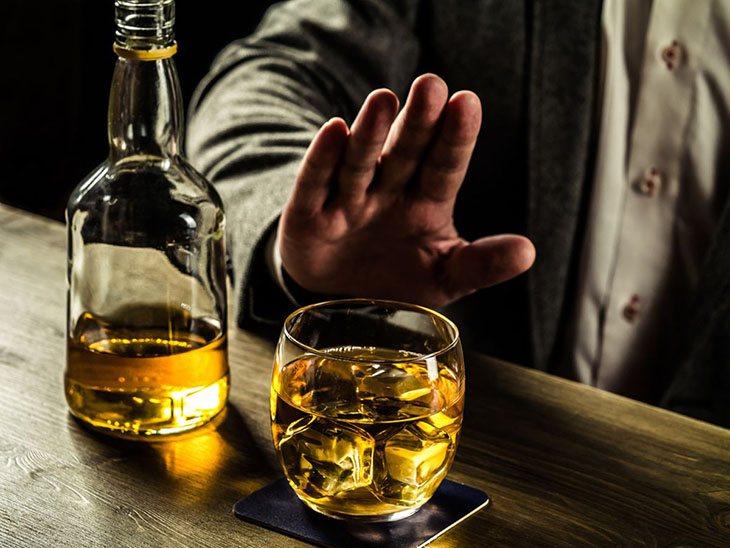 Rượu không tốt cho người bị phì đại tuyến tiền liệt