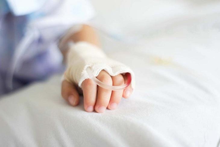 Người bệnh có thể được chỉ định truyền albumin máu