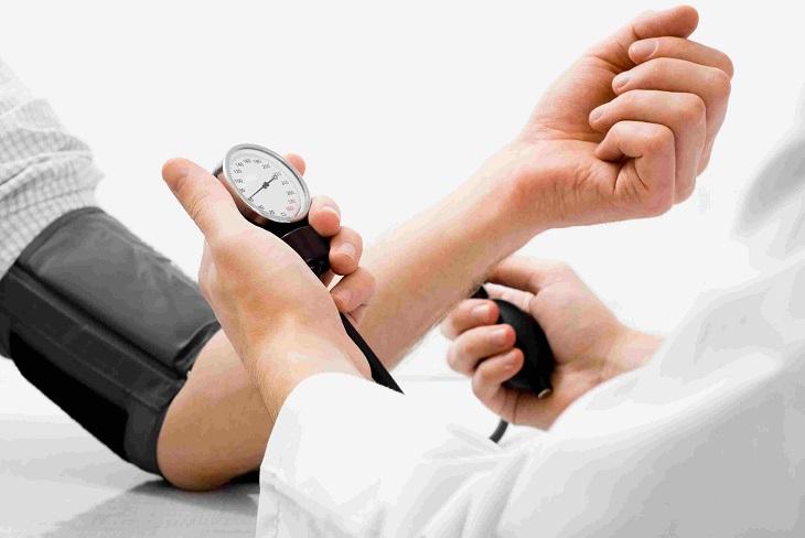 Người bệnh có thể xuất hiện cơn tăng huyết áp đột ngột