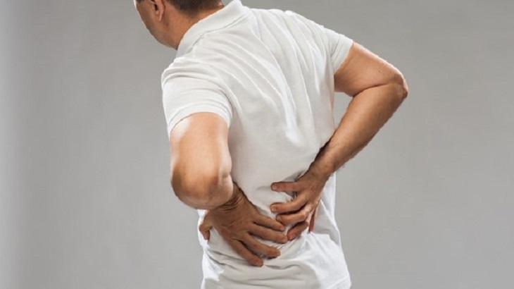 Thận yếu gây đau lưng là một biến chứng của bệnh lý suy thận