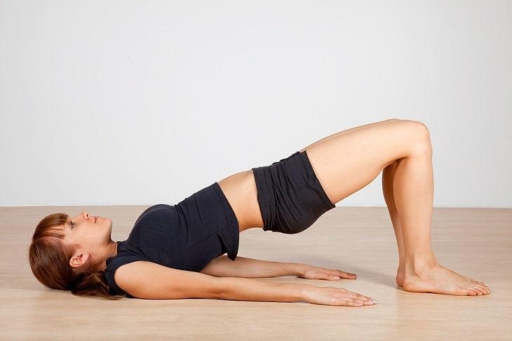 Việc co bóp cơ sàn chậu giúp phụ nữ kiểm soát được cơn buồn tiểu đồng thời tăng sức dẻo dai cho cơ thể