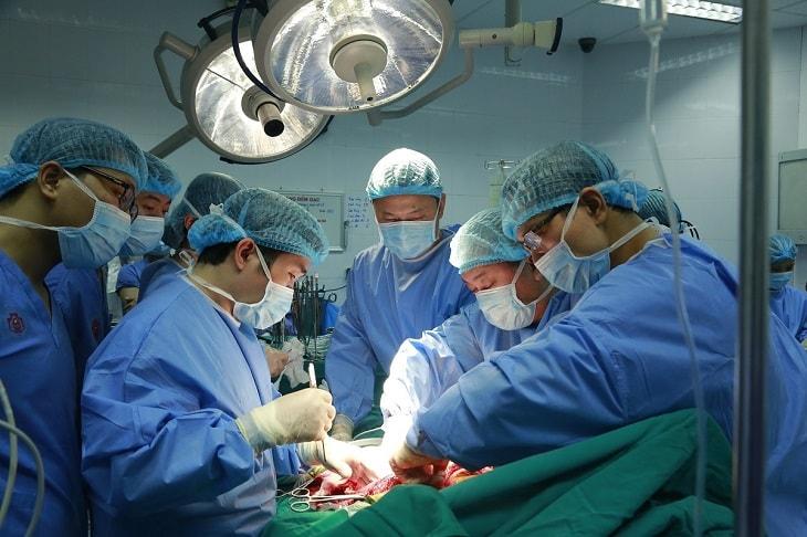 Loại bỏ u bằng phương pháp phẫu thuật