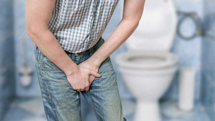 Khi mắc ung thư tiền liệt tuyến, người bệnh thường có biểu hiện tiểu rắt, tiểu khó