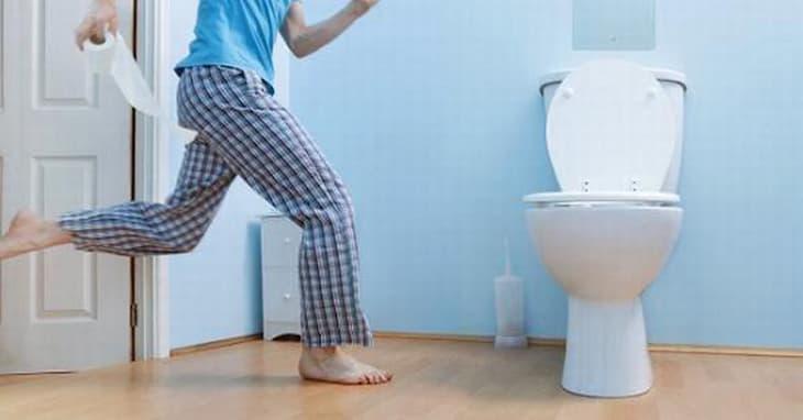 Người bệnh có thể đi tiểu ít hơn bình thường (ảnh minh họa)