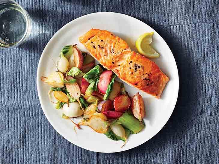 Viêm cầu thận nên ăn gì? Cá hồi