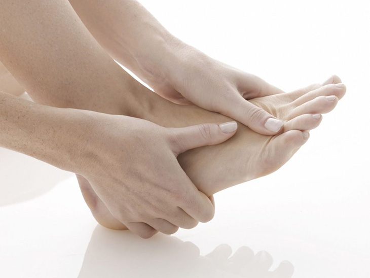 Viêm khớp bàn chân là bệnh thường gặp hiện nay