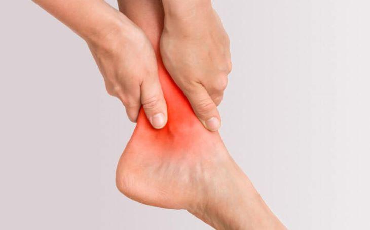 Chữa viêm khớp cổ chân như thế nào để đạt hiệu quả?