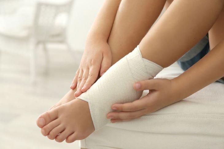 Chấn thương có thể làm tăng nguy cơ viêm khớp cổ chân