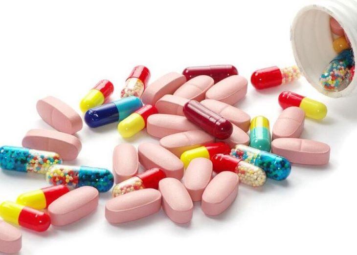 Người bệnh có thể dùng thuốc Tây để giảm nhanh các triệu chứng của bệnh