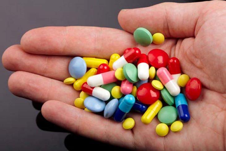 Người bệnh có thể được chỉ định một số thuốc chống viêm, giảm đau để trị bệnh