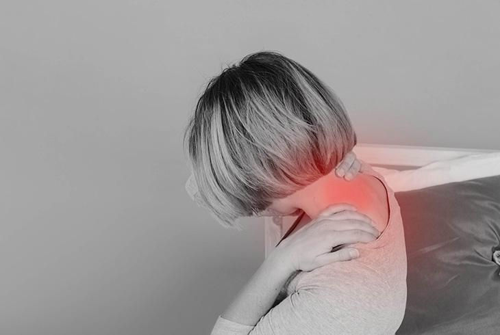 Viêm khớp vai làm bệnh nhân đau nhức, mệt mỏi