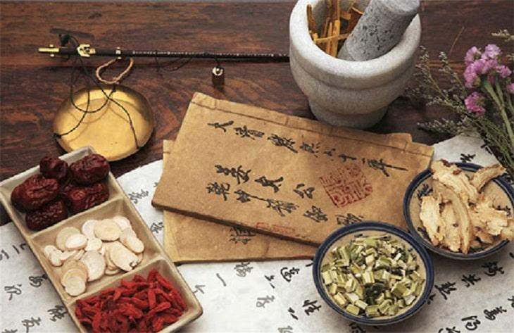 Nhiều bài thuốc Đông y được sử dụng để giảm đau khớp háng