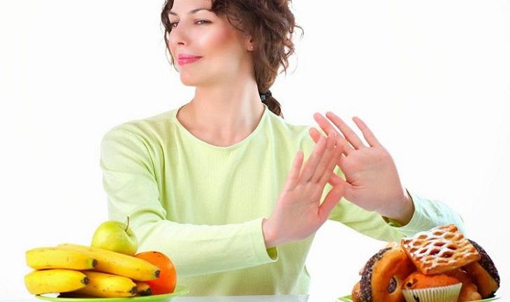 Không nên ăn trước khi tiến hành, trừ khi sử dụng viên nang